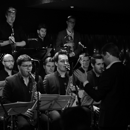 "Tobias Becker Bigband feat. Thomas Stabenow – ""Happy New Year"""